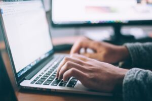 Online tanítani